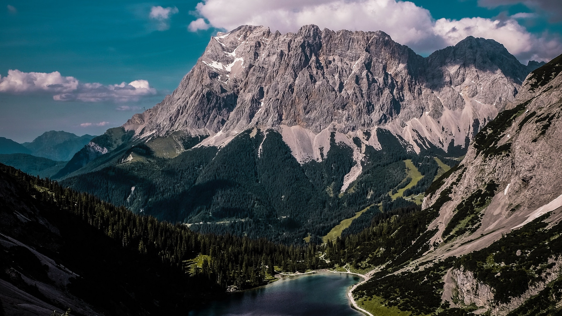 mountains_lake_clouds_123185_1920x1080